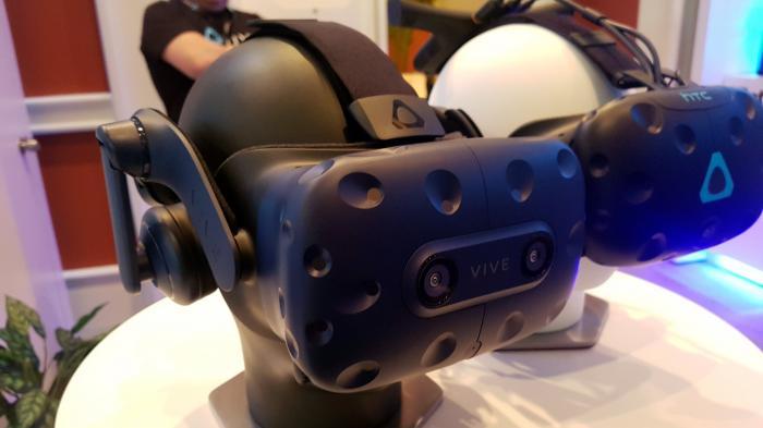 VR-Headset HTC Vive Pro ausprobiert: Endlich mehr Pixel