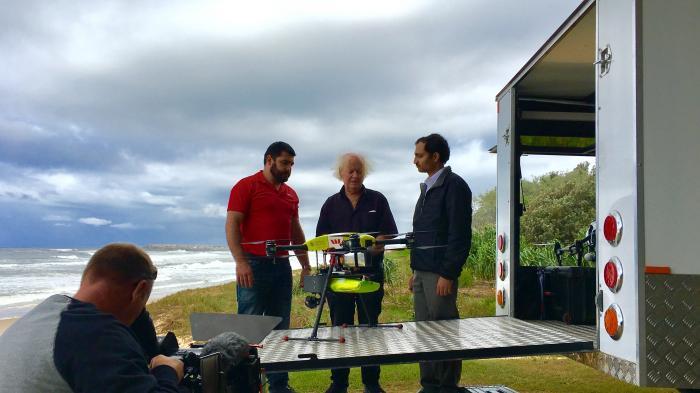 Drohne rettet Schwimmer vor dem Ertrinken