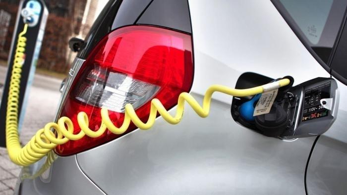 Elektroautos könnten laut Studie Stromnetz überlasten