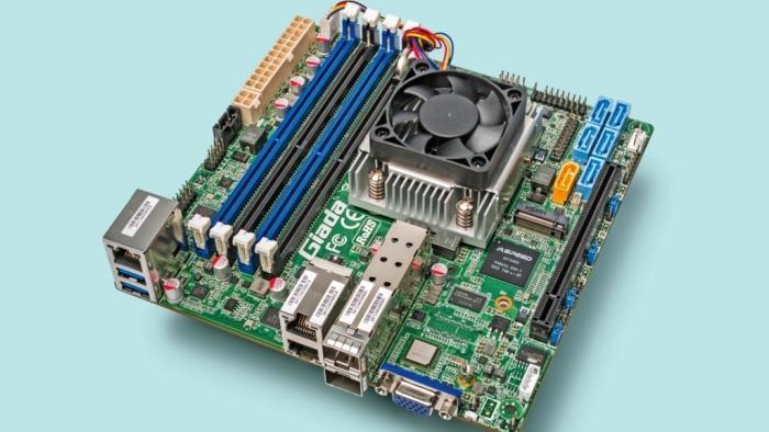 Giada N60E-O-1521 mit Intel Xeon D-1500 (D-1521)