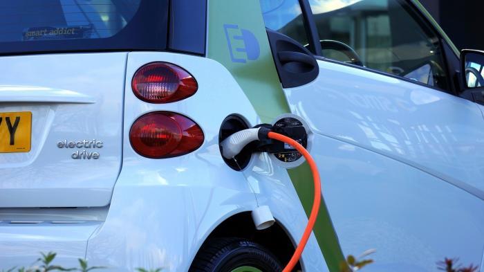 Studie: Elektroautos klimafreundlicher als Verbrenner