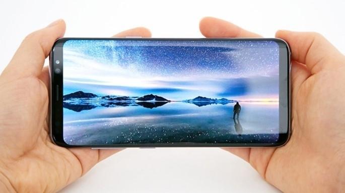 Galaxy S8 und S8+: Samsung verteilt überarbeitetes Update auf Android 8