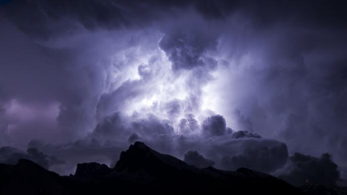 Symbolzeichnung Cloud Computing