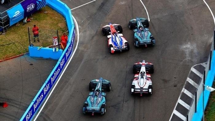 Elektro-Rennwagen: Mercedes-Benz und Porsche offizielle die Formel E aufgenommen