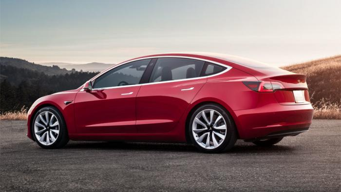 Tesla kündigt Umbau des Unternehmens an