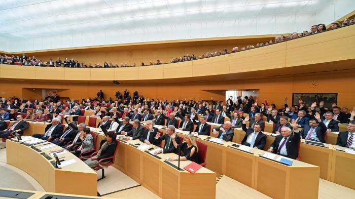 """Weniger """"Frei""""staat: Bayern beschließt Polizeiaufgabengesetz"""