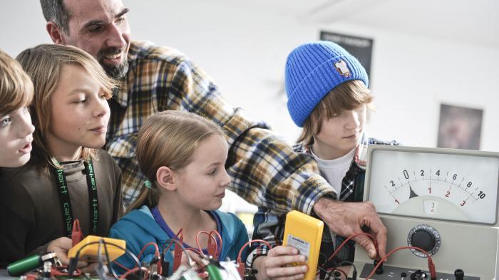 """""""Jugend forscht"""" zeichnet Dutzende junge Erfinder aus"""