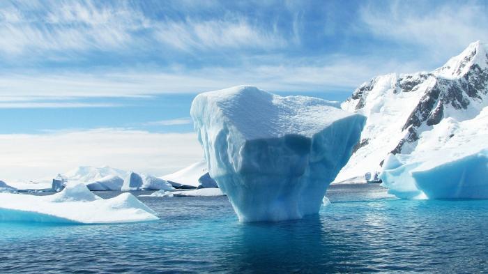 Antarktis-Eis schwindet immer schneller – Meeresspiegel steigt