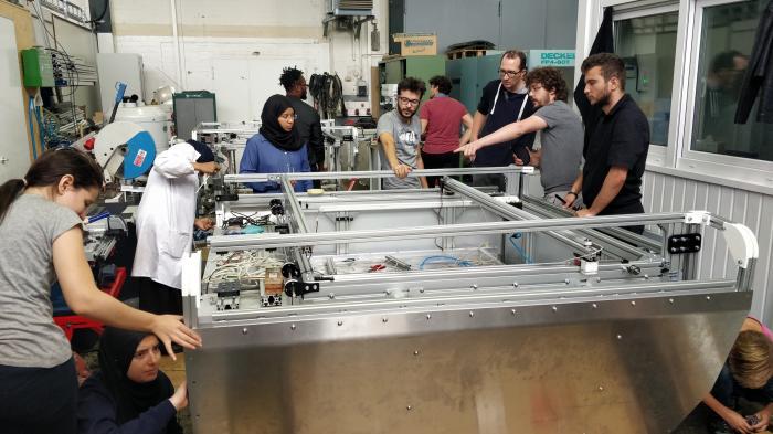 Aufbau des Lasercutters LaserDuo im OpenLab Hamburg