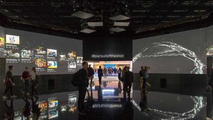 Video-Installation am Stand von Canon auf der photokina 2016