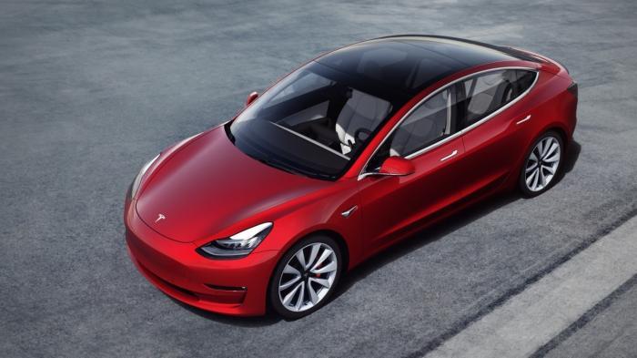 Produktion des Tesla Model 3 nimmt Fahrt auf