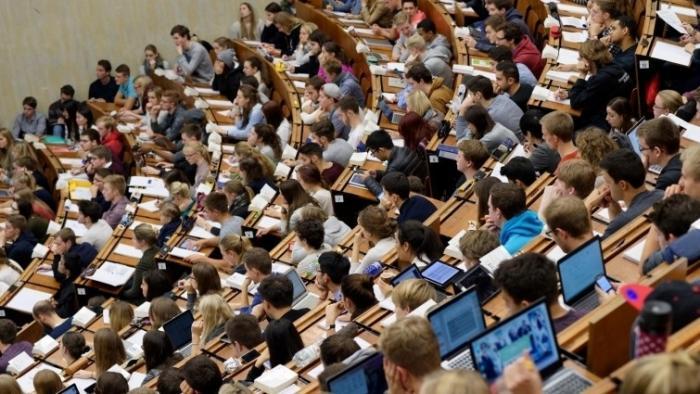 Informatik-Studium: Anteil der Erstsemesterinnen leicht gesunken
