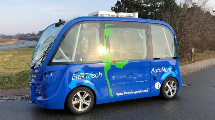Sylt: Autonom fahrender Bus wird gut angenommen