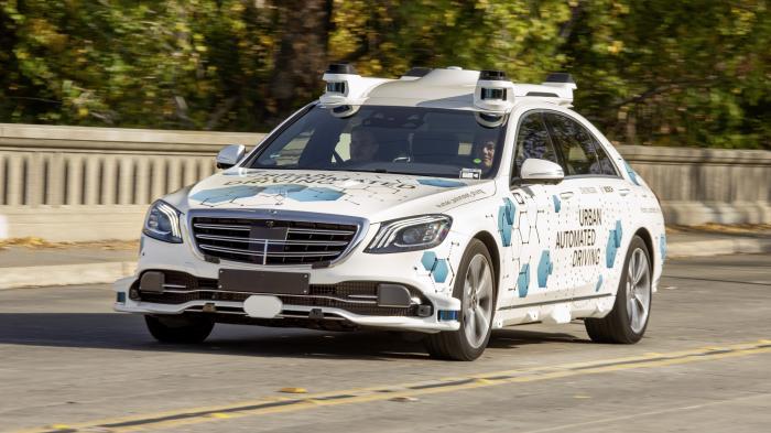 Bosch und Daimler starten Test ihres selbstfahrenden Shuttle-Dienstes