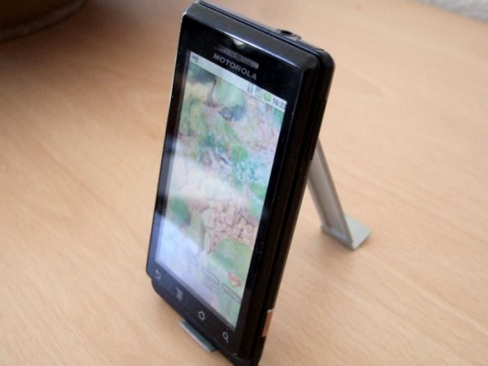 Smartphonestütze mit Handy