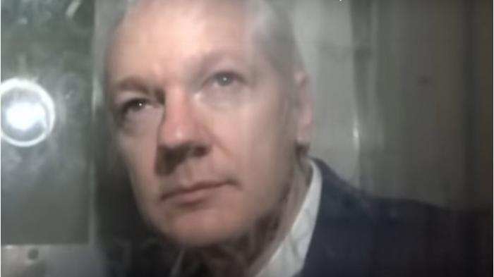 [Bild: assange-a0f638ea874d5e86.jpeg]