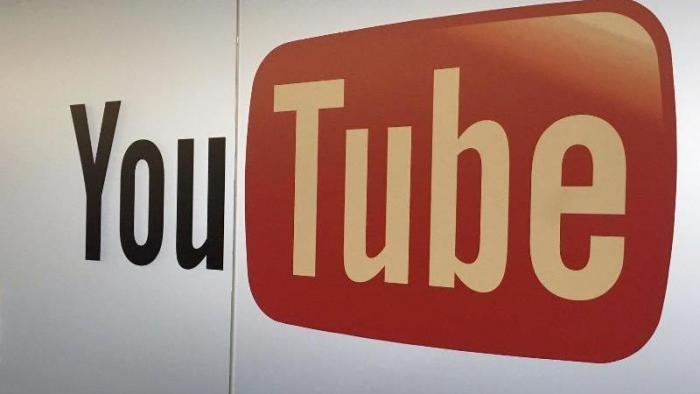 Autovervollständigung macht verstörende Suchvorschläge — YouTube