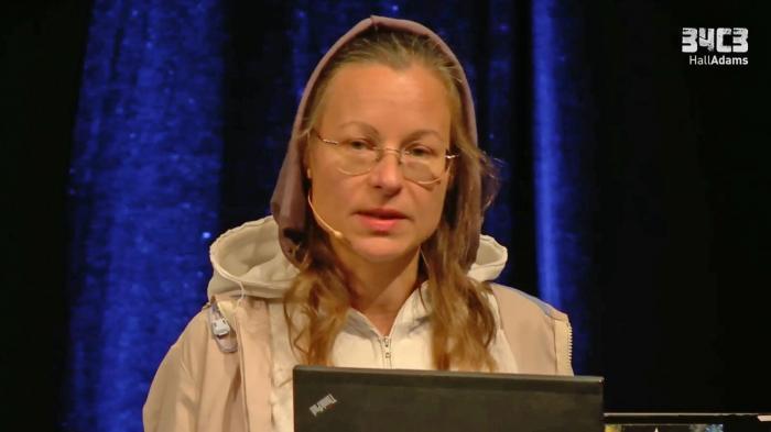 """34C3: Die Vertreibung der """"pflegeleichten Hackerfamilie"""" aus dem Nerd-Paradies"""