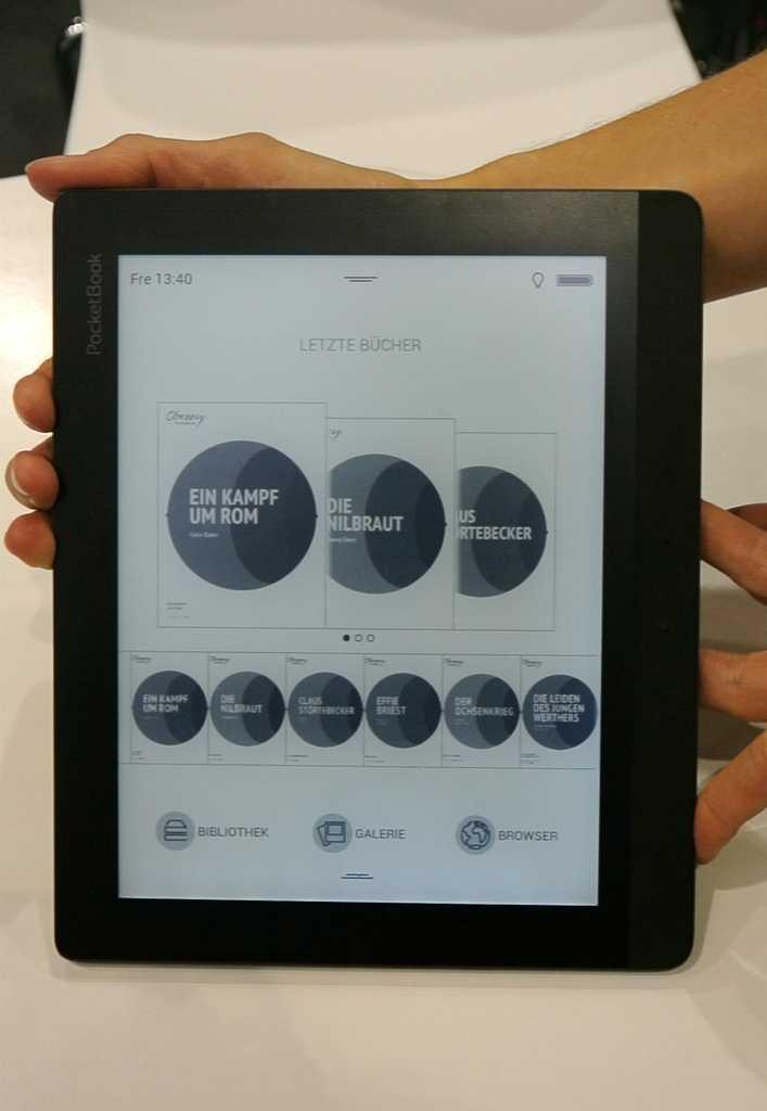 Das Display des Pocketbook Inkpad hat in etwa die Größe einer Romanseite.