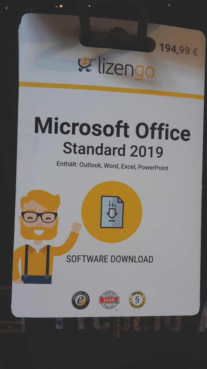 Bei Edeka kann man zum Beispiel Microsoft Office als sogenannte Lizengo-Card kaufen und dann herunterladen.