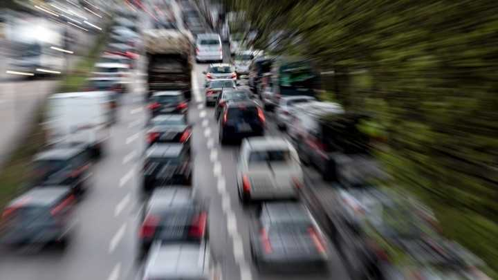 Die EU zieht die Zügel an – Autoindustrie in der CO2-Falle