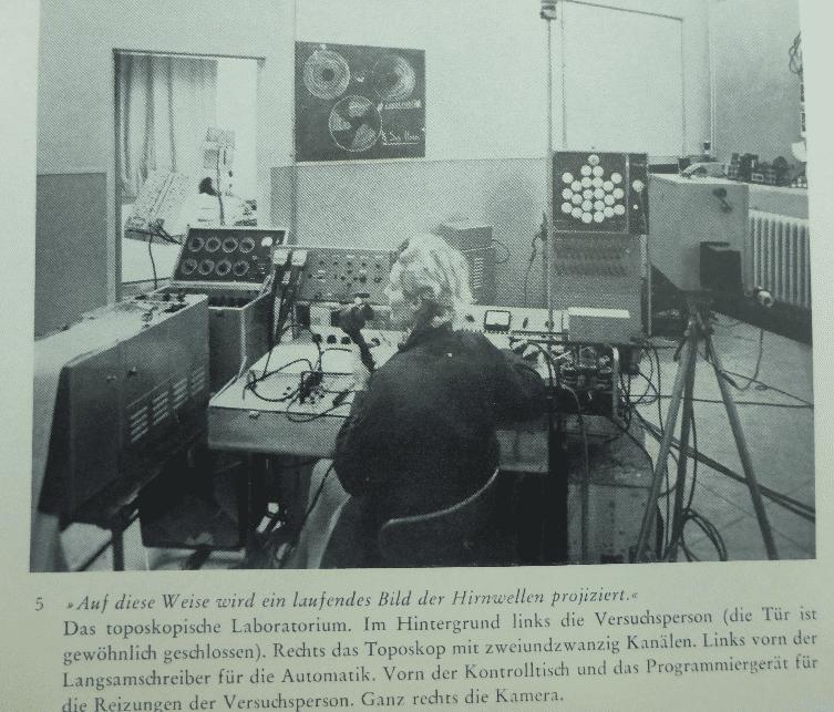 Aus den Anfängen der Hirnforschung: William Grey Walters Experimente von 1961.