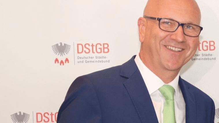 Neuer Städtebund-Chef fordert Glasfaser-Ausbau statt Autobahnen