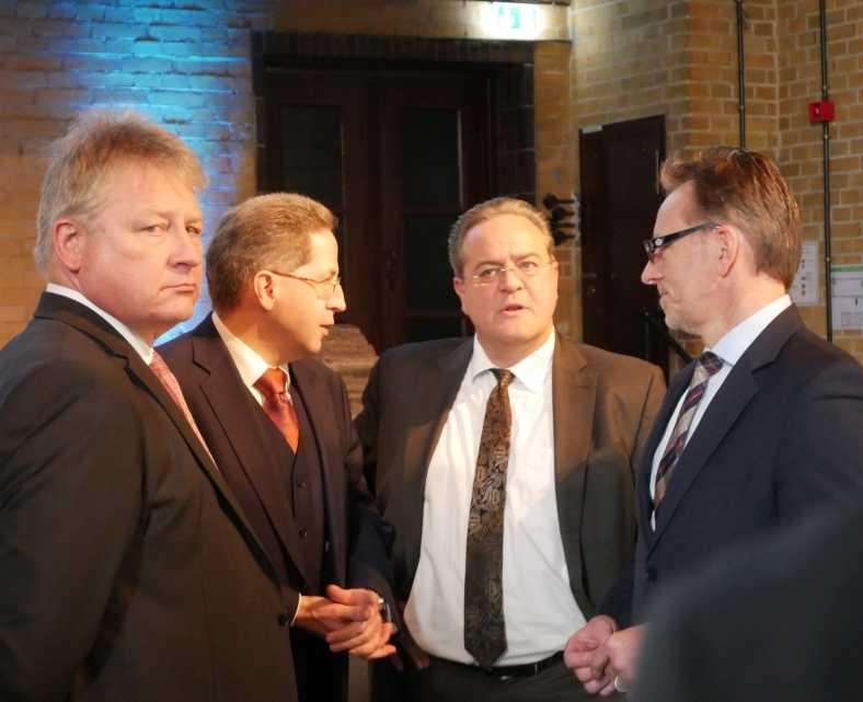 Die vier Präsidenten BND BfV MAD und BKA – quasi die Säulen unseres Staates.