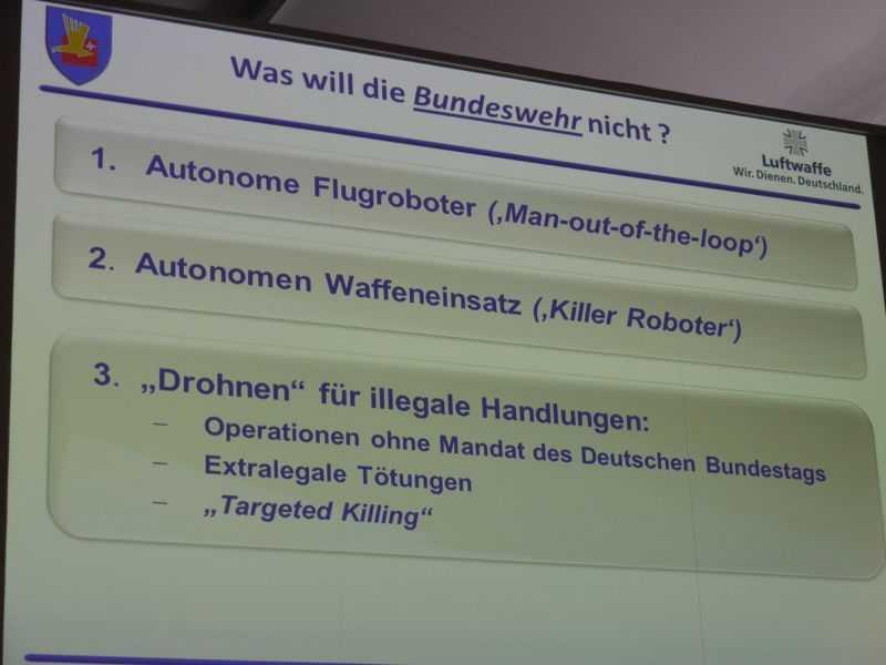 Autonomen Waffeneinsatz soll es laut Generalleutnant Schelleis bei ferngesteuerten Luftfahrzeugen auch künftig nicht geben.
