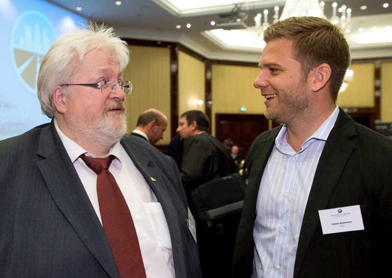 Will eigentlich gar nicht mit Uber reden: Taxifunktionär Michael Müller trifft auf Uber-Chef Fabien Nestmann.