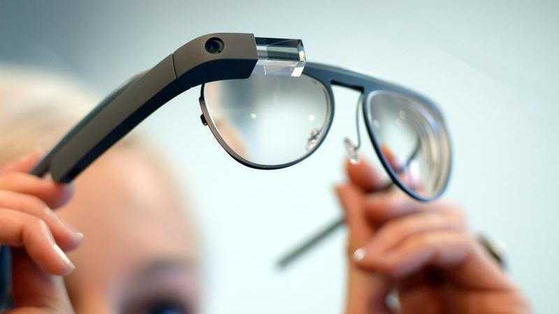 Korrigierendes Google Glass