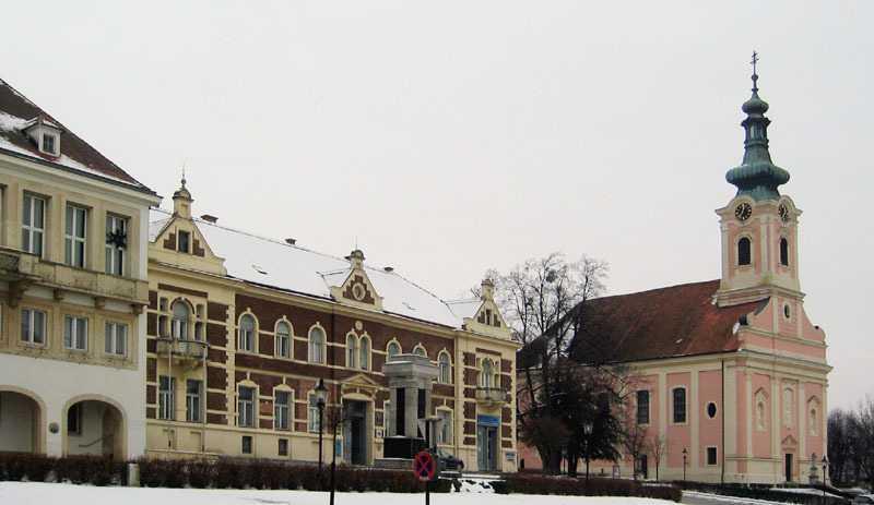 Rathaus, Kirche