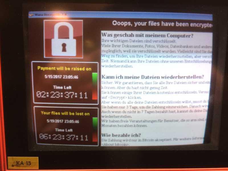 ...auch bei den Bezahlautomaten im Parkhaus des Berliner Flughafens Tegel ging nichts mehr. Die Kunden durften dann so ausfahren.