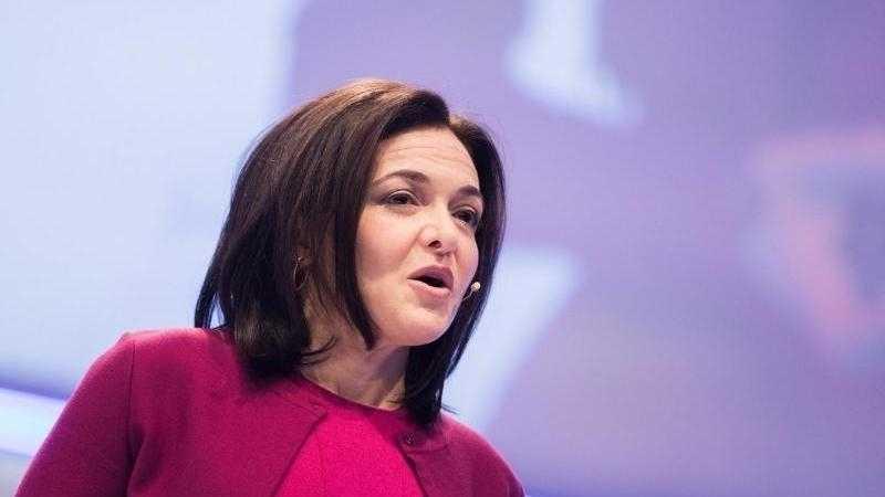Facebook-Managerin Sandberg verteidigt Daten-Geschäftsmodell