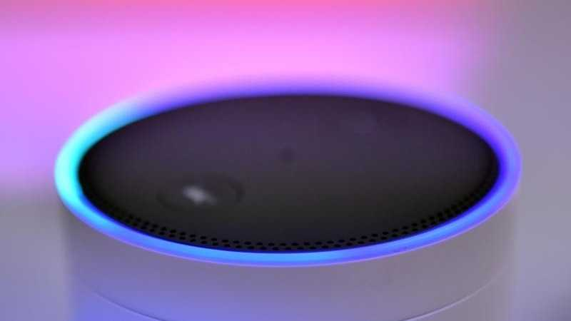 Amazon Echo mit Sprachassistent Alexa