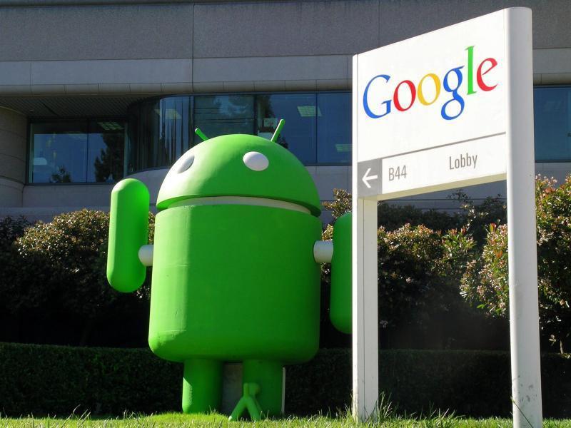 Android-Maskottchen vor Google-Zentrale