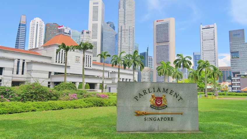 """Singapur erntet Kritik mit Gesetzesplänen gegen """"Fake News"""""""