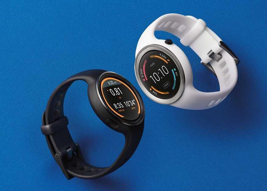 Die Moto 360 Sport kommt mit festem Silikon-Armbändern und GPS.