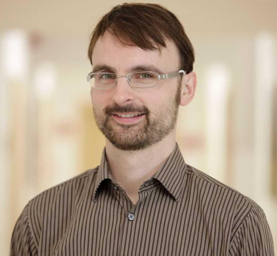 Christian Buhtz, wissenschaftlicher Mitarbeiter im FORMAT-Projekt, untersucht assistive Technologien in der Pflege und entwickelt Bildungskonzepte.
