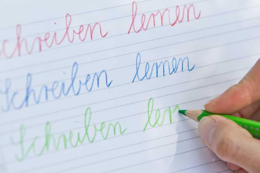 Schreibschrift ade: Vielen Kinder fehlt die dafür notwendige Fingerfertigkeit.