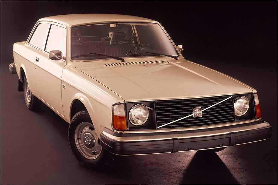 Für Kalifornien bestimmte Volvos der Baureihen 240 (im Bild ein 242 von 1975) und 260 waren die ersten Autos mit geregeltem Kat