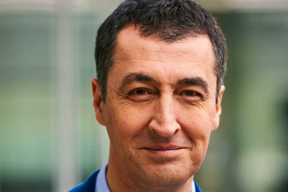 Fahrverbote: Özdemir nimmt Kretschmann in Schutz