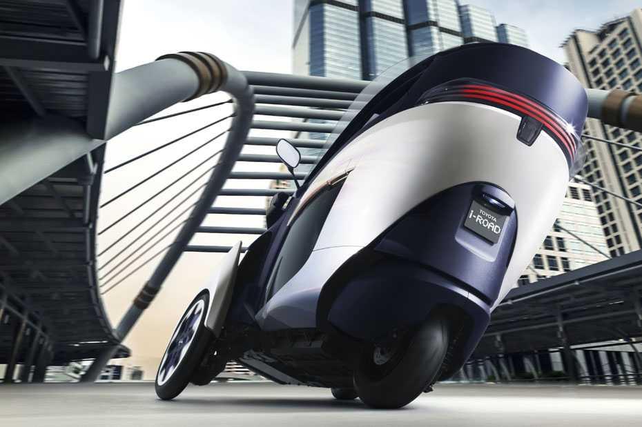 Kabinenroller trifft Neigetechnik: Der Toyota i-Road