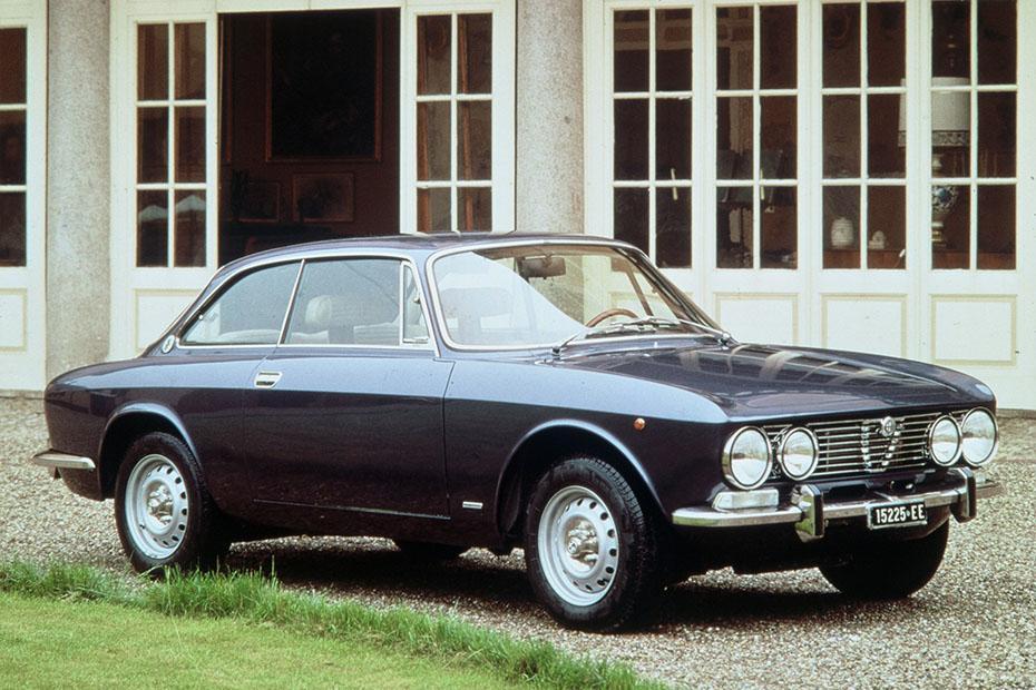 Alfa Romeo Giulia 2000 GT Veloce 1971 - 1976