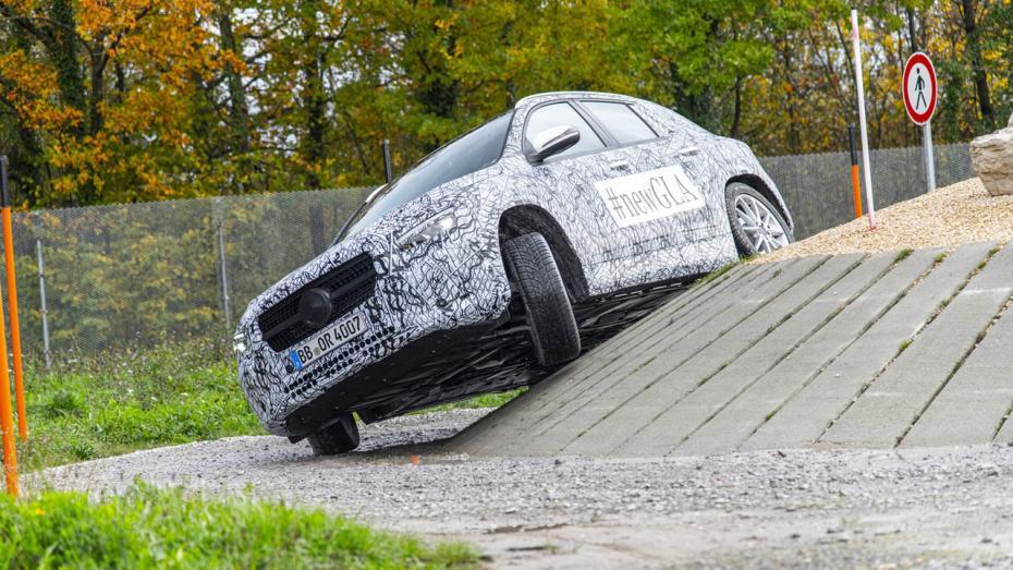 Prototyp-Proberunde im Mercedes GLA