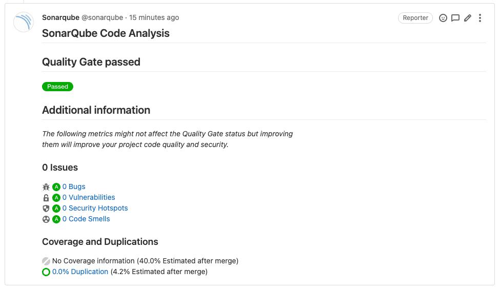 GitLab-Kommentar des Tools SonarQube mit einem Bericht der Code-Analyse. Die Code-Analyse wurde bestanden, was durch grüne Test-Ergebnis-Hinweise dargestellt wird.