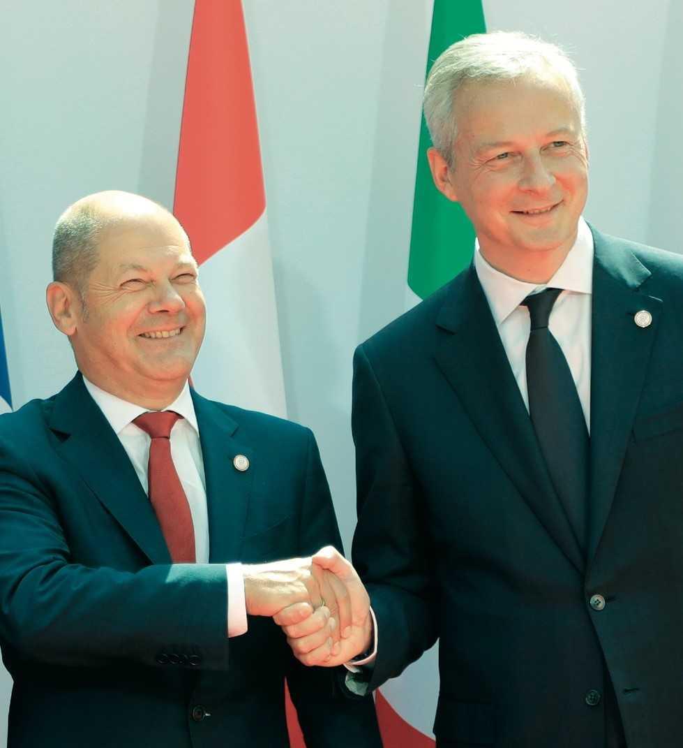 Der deutsche Finanzminister Olaf Scholz will Libra sorgfältig prüfen, sein französicher Amtskollege Bruno Le Maire (rechts) die Währung gar nicht zulassen.