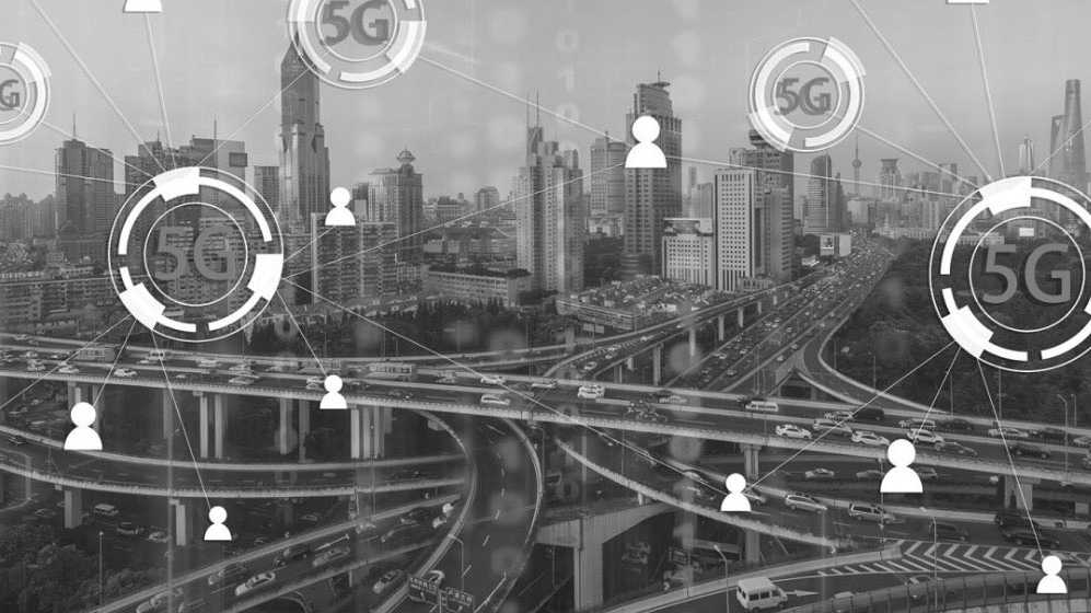 Hologramm im fahrenden Wagen: Telecom-Firmen buhlen um Autobranche